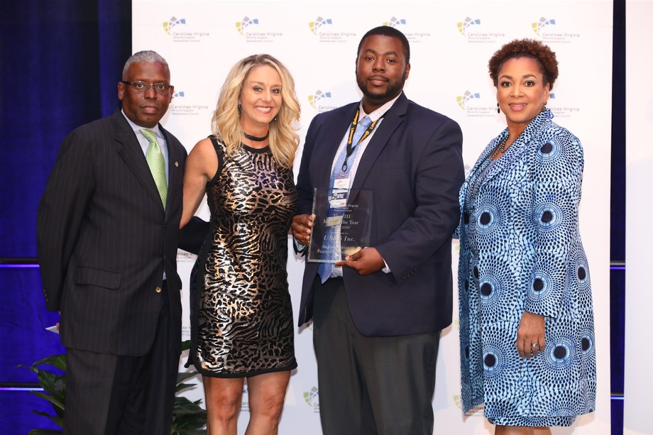 US&S, Inc. Marketing Manager Michael Mance accepts award for Minority Business Enterprise of the Year from the Carolina Virginia Minority Supplier Development Council (CVMSDC) at the Business Opportunity Conference.